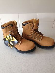 Oil men's work boots size 9 Butler Wanneroo Area Preview