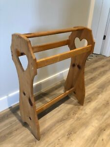 Quilt Clothing Rack