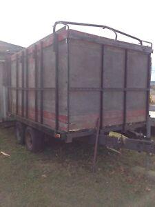 8 ft x 12 ft trailer