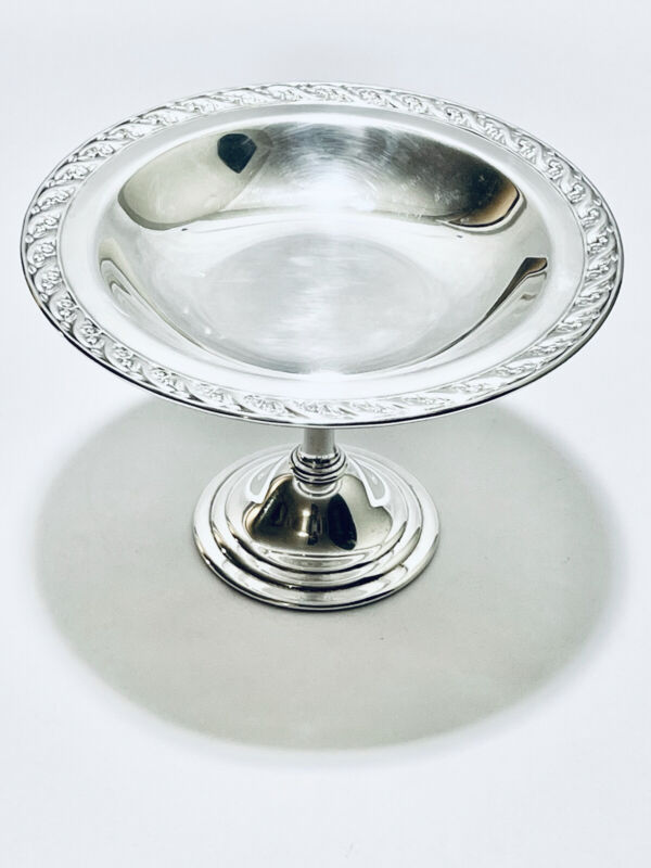 Fabulous vintage candy pedestal silver plated by WM Rogers and son