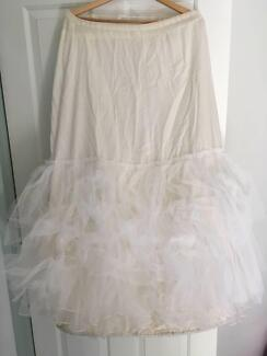 White multi layered wedding (or deb dress) hoop petticoat in VGC