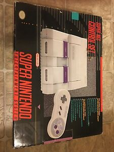 SNES box only.  London Ontario image 1