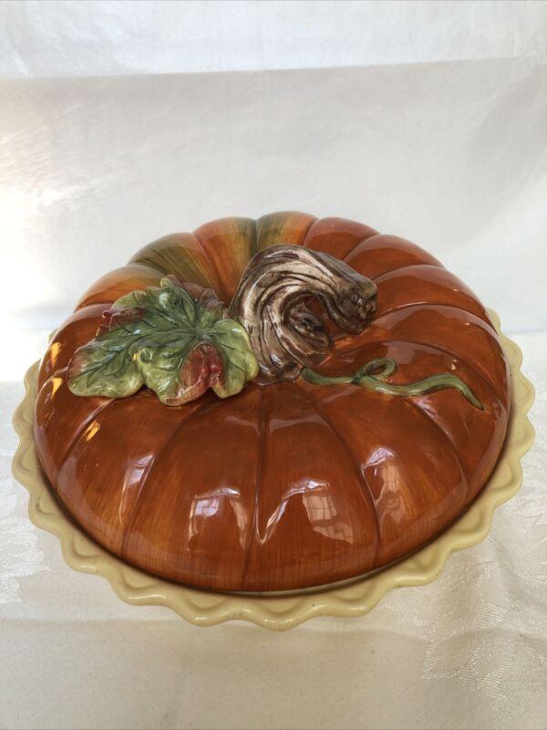 Bountiful Harvest Covered Ceramic Pumpkin Pie Plate Saver Keeper. Beautiful!