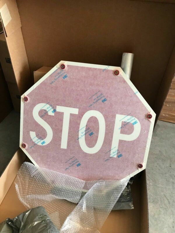"""ONE (1) NEW Tapco Flashing LED SOLAR POWERED STOP Sign 30"""" x 30"""" 2180-00209"""