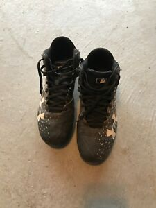 Under Armour baseball cleats. High top. Size 9