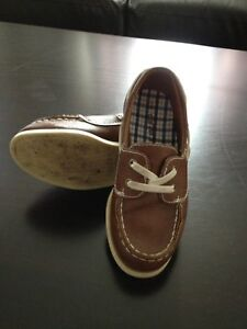 Boys carter deck shoe size 12