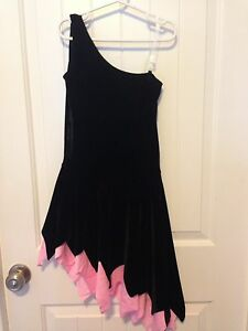 FIGURE SKATING DRESS