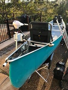 Rosco 18ft Fibreglass Touring Canoe with Electric Motor Hornsby Heights Hornsby Area Preview