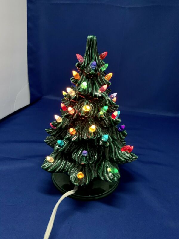Vintage 1977 Nowell Mold Lighted Ceramic Christmas Tree 10.5