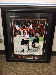 Framed picture Crosby wins the gold medal in 2010