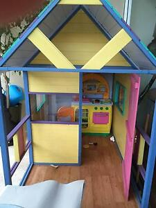 Children's cubby house Coal Point Lake Macquarie Area Preview