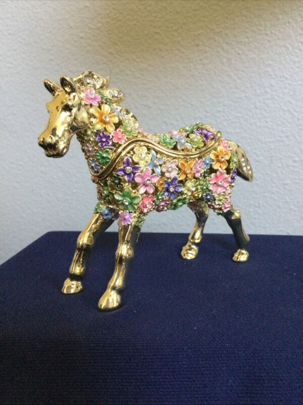 CRYSTAL FLOWERED HORSE TRINKET BOX BY KEREN KOPAL. BEAUTIFUL AND HARD TO FIND!