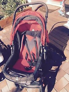 2 x strollers/prams  $30 each St Clair Penrith Area Preview