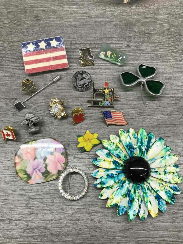 Costume Jewelry Pins / Brooches Lot Clover