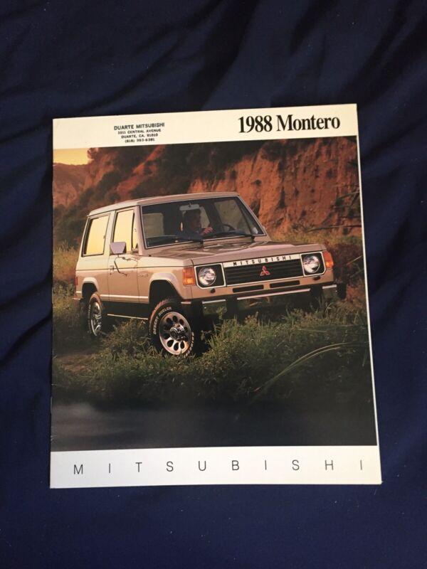 1988 Mitsubishi Montero USA Market Sales Catalog Brochure Prospekt