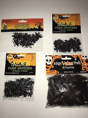 Halloween Lot Fake Bugs Roaches and Flies 4 Pieces in lot - Halloween Fake Bugs