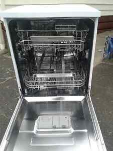Near new dishwasher Belmont Geelong City Preview