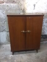 Small mid century cabinet, good for stereo, records  City of Montréal Greater Montréal Preview