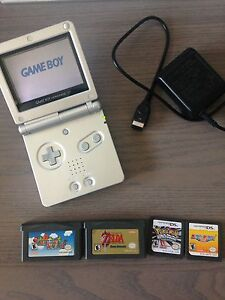Nintendo GameBoy Advance SP - Charger, Games
