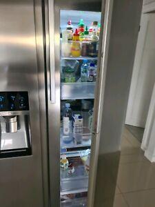 Samsung 635 Litre Stainless fridge with Showcase door