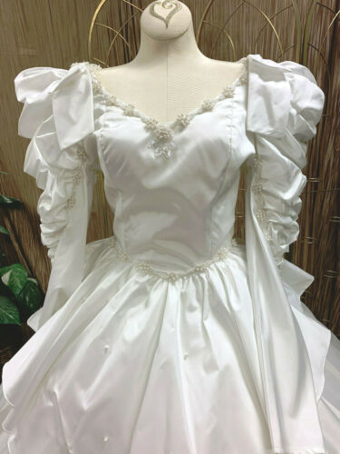 PEARLS SEQUINS WHITE TAFFETA WEDDING DRESS GOWN RENAISSANCE FAIR NET VEIL SZ S-M