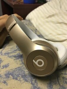 Beats solo2 wireless 100 obo