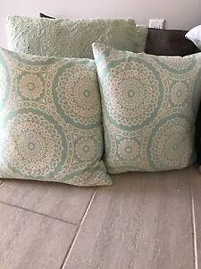 2 pattern accent pillows