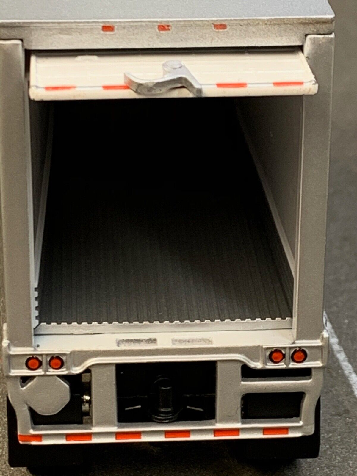 1/64 DCP WHITE WABASH THERMO KING REEFER PUP TRAILER 2