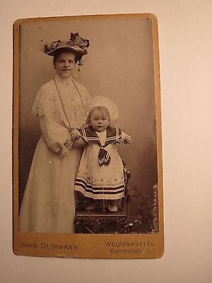 Wolfenbüttel - stehende Frau mit Hut & kleines Kind Matrosenanzug - Klusse ? CDV ()