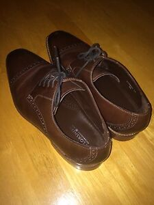 LIKE NEW - Men's Dress Shoes - Florsheim Brand - Size 10
