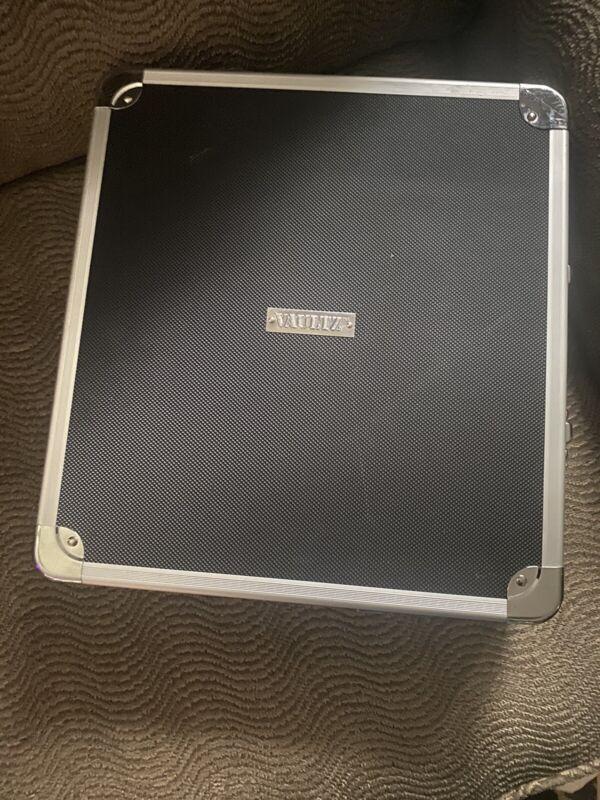 Vaultz VZ03777 Locking Hard Case Media Binder with Key Lock, 128 CD or DVD Capac