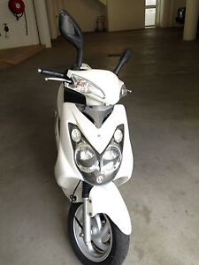 2008 SYM 125cc max 100km/hr with rain coat/paints/ boots/ gloves Crawley Nedlands Area Preview