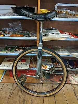 SCHWINN REFLECTOR FOR MAG WHEELS ON OLD SCHOOL BMX PREDATOR BIKE /& OTHER