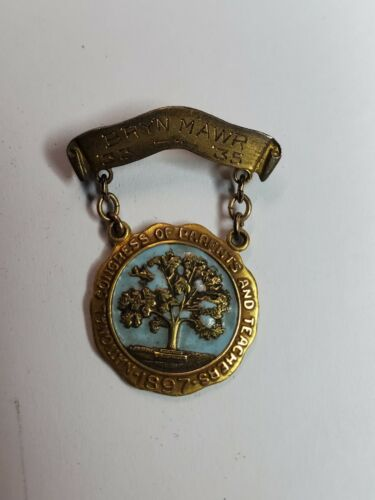 Dated 33 /35 VINTAGE NATIONAL CONGRESS OF PARENTS AND TEACHERS 1897 GOLD Tone