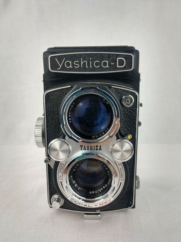 Yashica-D TLR 120 Film Camera W/ 80mm Yashikor Copal MVX & Leather Case