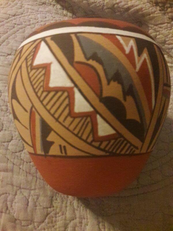 Vintage Western Chinana JEMEZ New Mexico Pueblo Indian Pottery Pot Geometric