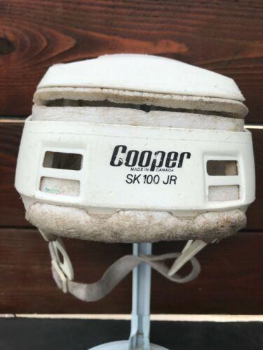 VINTAGE WHITE COLOR COOPER SK100 JUNIOR JR HURLING HELMET MADE IN CANADA