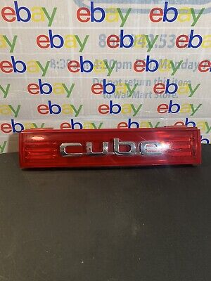 2010 NISSAN CUBE Tail Finish Panel Center Tail Light Above License Plate Pocket