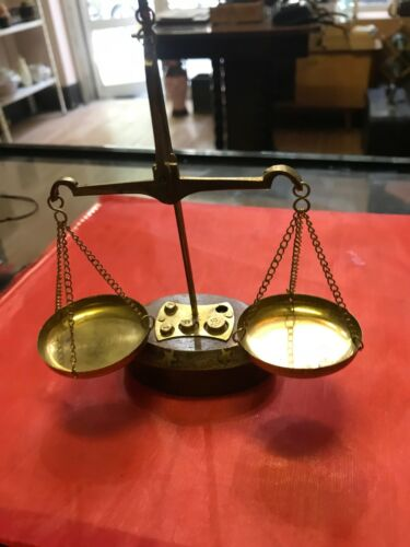 Vintage old brass apothecary  weight  balanse scales 18gr