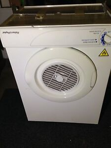 Fisher Paykel 4 kg clothes dryer with wall bracket. Cairns Cairns City Preview