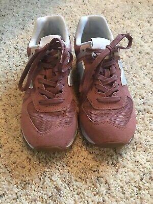 New Balance 574 Classic Womens Shoe Pink Suede Casual Sneakers Sz 8.5 EUC