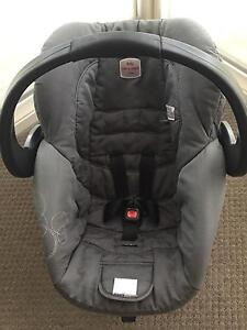 Britax Safe & Sound Unity Capsule Wright Molonglo Valley Preview