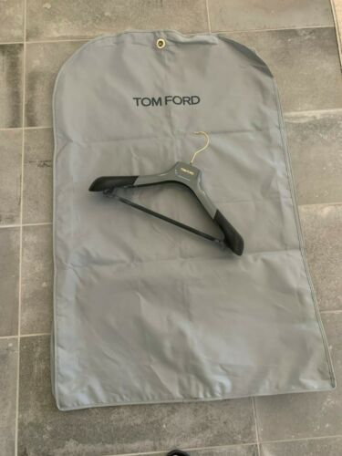 TOM FORD GARMENT BAG 27 1/4 X 42 X 3 1/2 IN AND HANGER