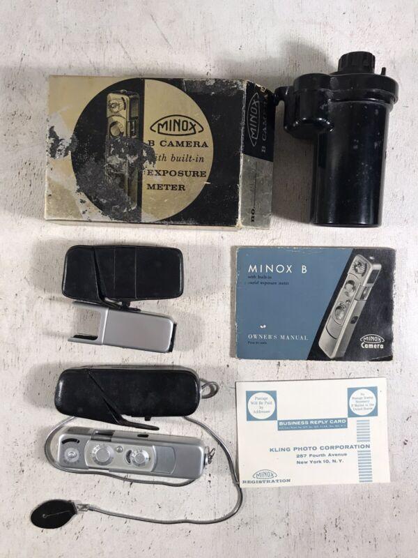 Minox B Camera & flash adapter developing tank Owners Manual