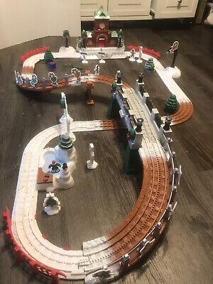 Fisher Price Geotrax Christmas Toytown Railroad Train Set