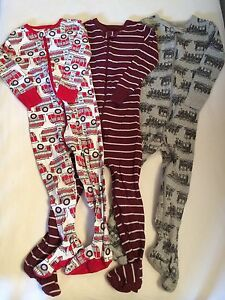 Old navy cotton footed sleepers size 2T