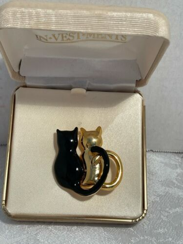 ☘☘☘ Investments 1 Black and 1 Gold Tone Cat Brooch Gift Boxed Brand New ☘☘☘