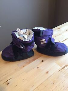 MEC kids booty size small