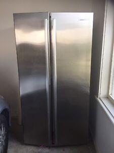 Westinghouse 606L  Side by Side Stainless steel fridge REDUCED!!! Walkerville Walkerville Area Preview