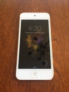 IPOD TOUCH 6 PRESQUE NEUF
